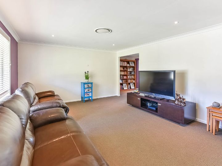 17 Mount Huon Circuit, Glen Alpine, NSW