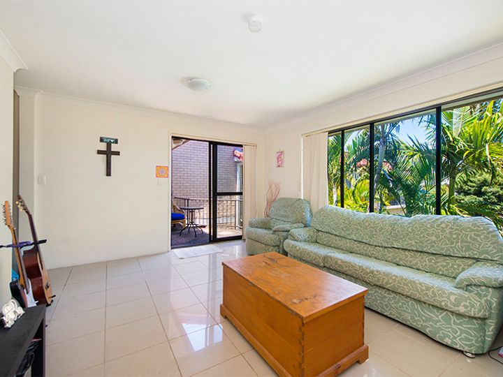 5/4 Christina Court, Mermaid Waters, QLD