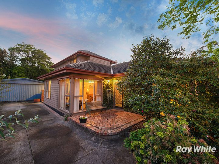 6 Greaves Street, Cranbourne, VIC