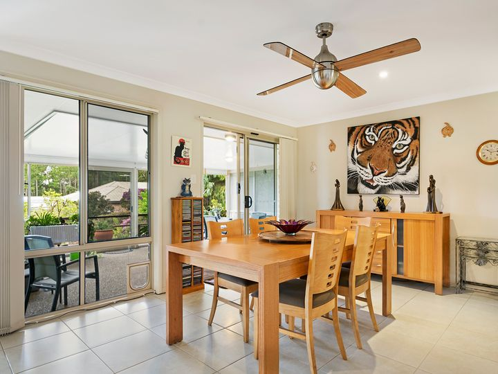 4 Persea Place, Glass House Mountains, QLD