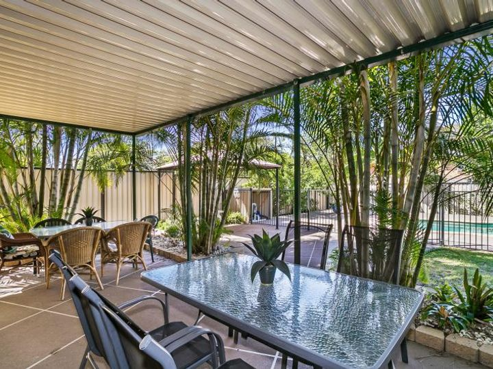 8 Thornburgh Street, Oxley, QLD