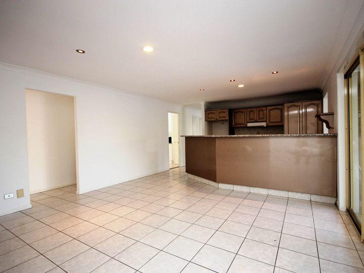 143 Monterey Keys Drive, Helensvale, QLD