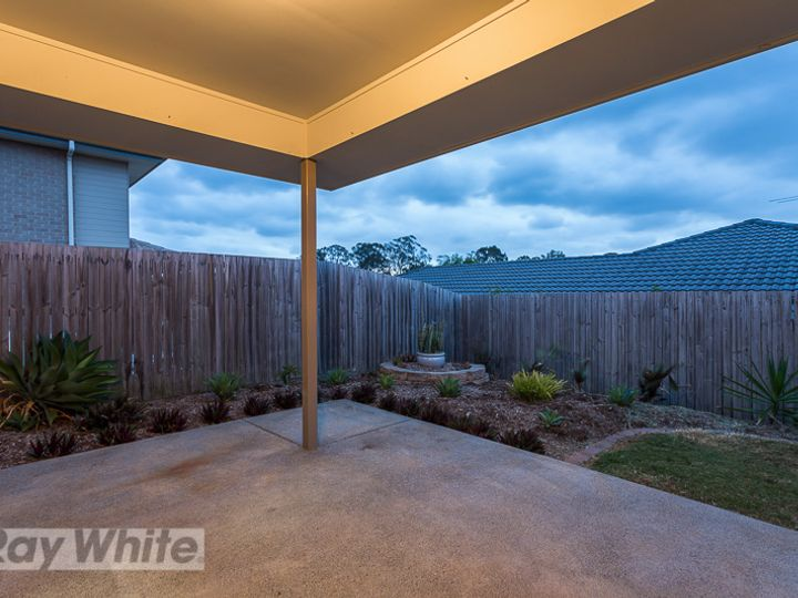 8 Lizard Place, Redland Bay, QLD
