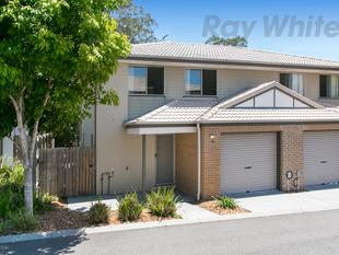 STYLISH TOWNHOUSE, ONLY MOMENTS TO GARDEN CITY! - Eight Mile Plains