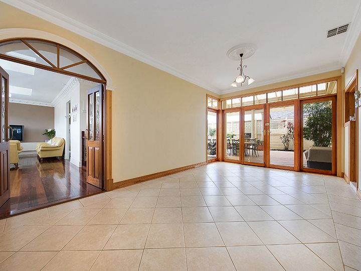 349 Tapleys Hill Road, Seaton, SA