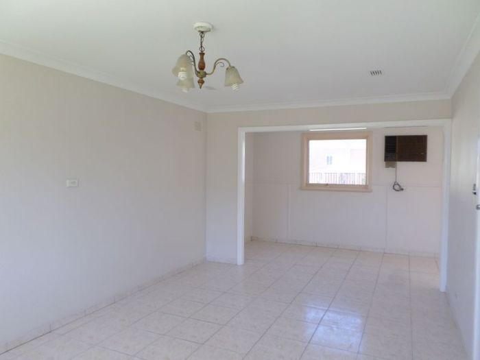 56 reilly street liverpool nsw rental house for rent for Kitchens liverpool nsw