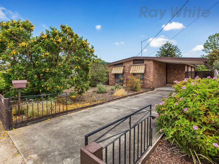 172 Eighth Avenue, Rosebud, VIC