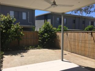 PET FRIENDLY TOWNHOUSE, MORE SPACIOUS THAN IT APPEARS!! - Chermside West