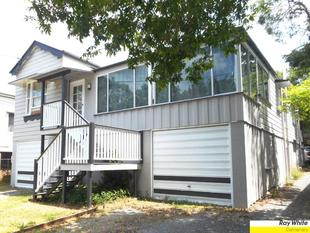 3 BEDROOM + SUNROOM DUPLEX- 10 MINS TO CITY!!! - Annerley