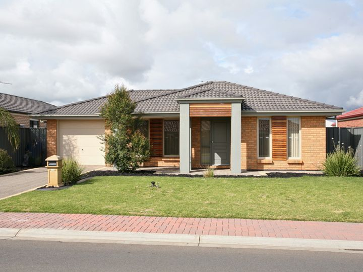 27 Lakeside Drive, Andrews Farm, SA