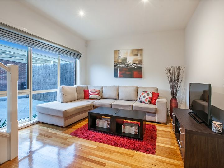 1/72 Purinuan Road, Reservoir, VIC