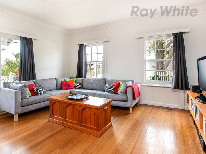 10 Fourth Avenue, Rosebud, VIC