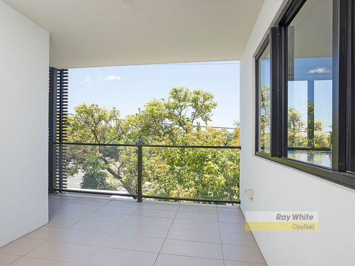 2/4 Garnet Street, Clayfield, QLD