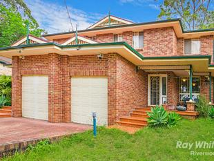 EASYCARE DUAL LEVEL HOME, TRANQUILLITY ON A DESIRABLE STREET - Bardwell Valley