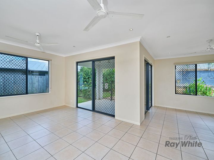 15 Cliffdale Street, Bentley Park, QLD
