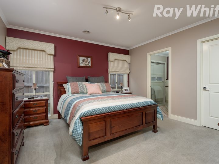 17 Portobello Terrace, South Morang, VIC