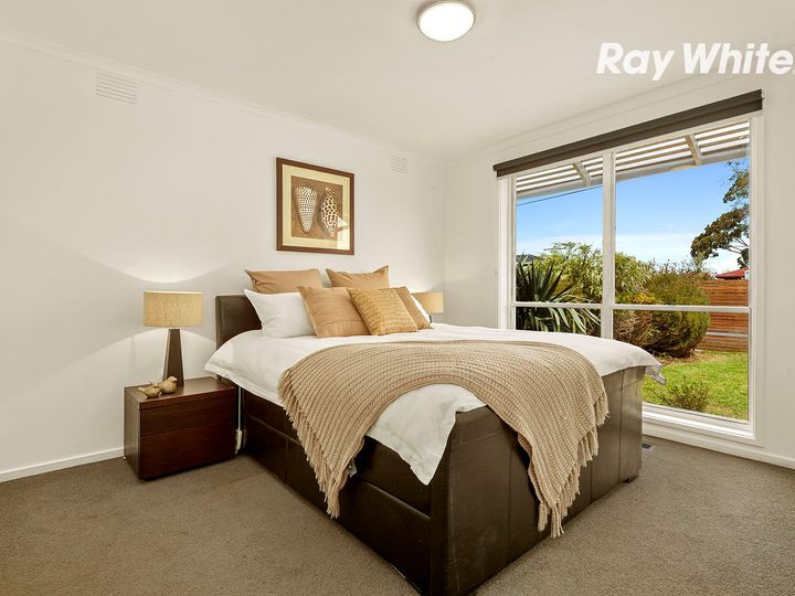 5 Glenway Drive, Dingley Village, VIC