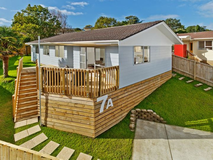 7A Lancelot Place, Glenfield, North Shore City