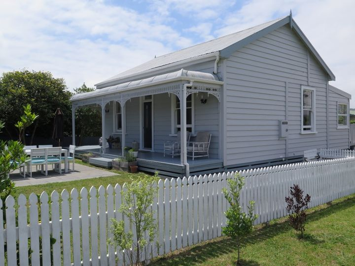 2 Smith Street, Raglan, Waikato District