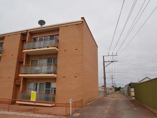 Fully renovated unit in excellent location - Whyalla