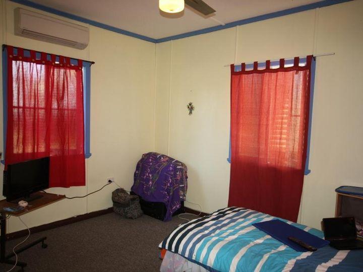 27 Elizabeth Street, Mundubbera, QLD