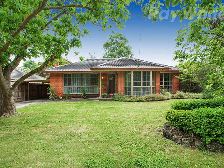 94 CAMBRIDGE Road, Kilsyth, VIC