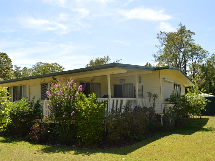 23 Mooloolah Meadows Drive, Mooloolah Valley, QLD