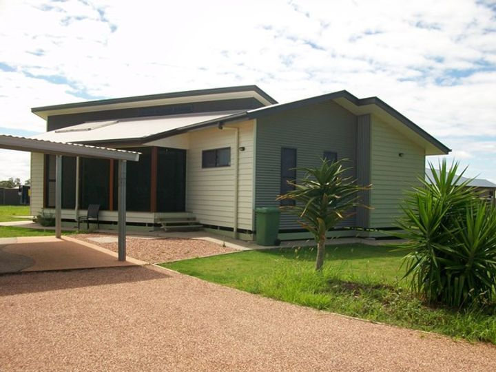2 Lockyer Crescent, Roma, QLD