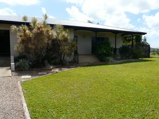 LARGE FAMILY HOME - Innisfail