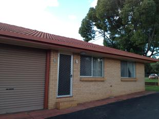 NEAT AND COMPLETE - LIVE IN THE CITY AND LEAVE THE CAR AT HOME! - South Toowoomba