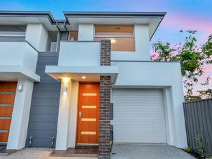 Contemporary Design Two storey Townhouse - Newton