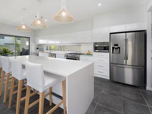 Family Entertainer - Island Lifestyle - Pelican Waters