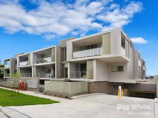 ALMOST BRAND NEW UNIT - Parramatta