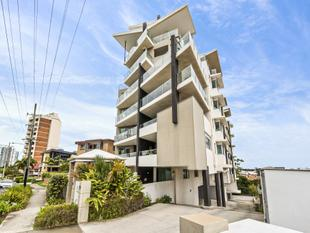 Centrally Located Modern Three Bedroom Apartment - Tweed Heads