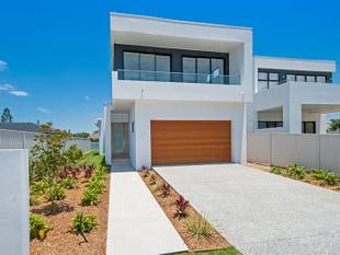 Brand New, Architectural Designed Waterfront - Broadbeach Waters