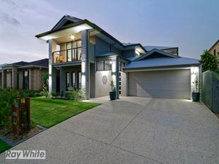 Absolutely Stunning Executive McCarthy Home - North Lakes
