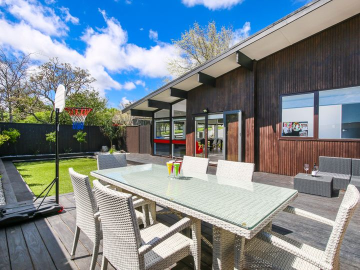 1 Beechdale Crescent, Pakuranga Heights, Manukau City