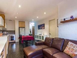 PRICED TO SELL! / MOTIVATED SELLER! - OPEN SATURDAY 11- 11.30am - South Perth