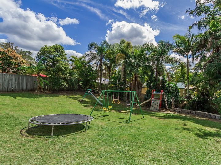 11 Winslow Court, Oxenford, QLD