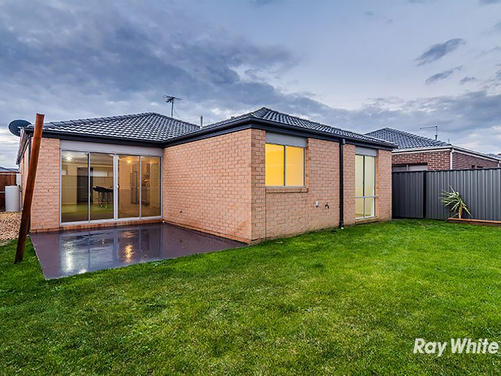 12 Morphetville Street, Clyde North, VIC