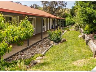 "LEEWANA' ""Country Living At Its Best"" - Googong"