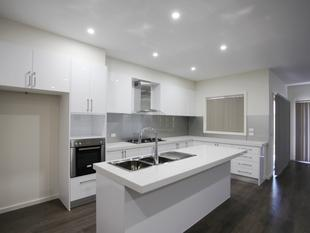 Brand New 4 Bedrooms Townhouse - Altona North