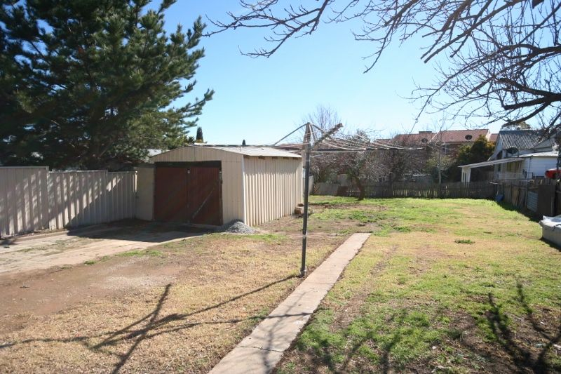 house leased queanbeyan nsw 79 uriarra road