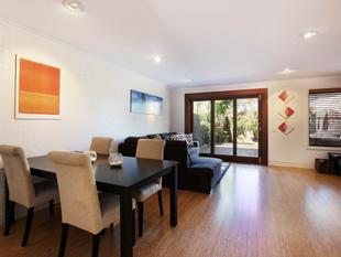 Quality Benowa Townhouse - Downsize in Comfort -Under Contract! - Benowa