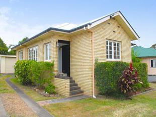 Stylish & Renovated Air Conditioned 3 Bedroom Home - Stafford