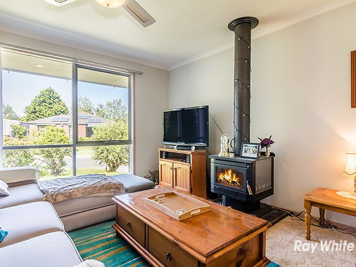 3 Godwin Crescent, Cranbourne North, VIC