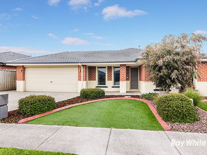 12 Charlbury Crescent, Cranbourne North, VIC