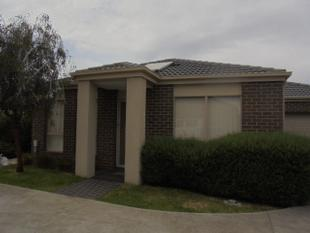 3 BEDROOM + 2 BATHROOMS  UNIT IN MELTON SOUTH - Melton South