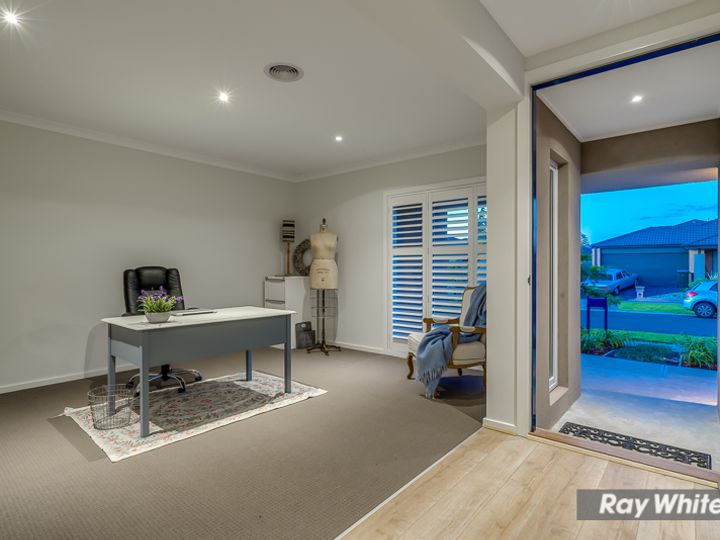 44 Waves Drive, Point Cook, VIC