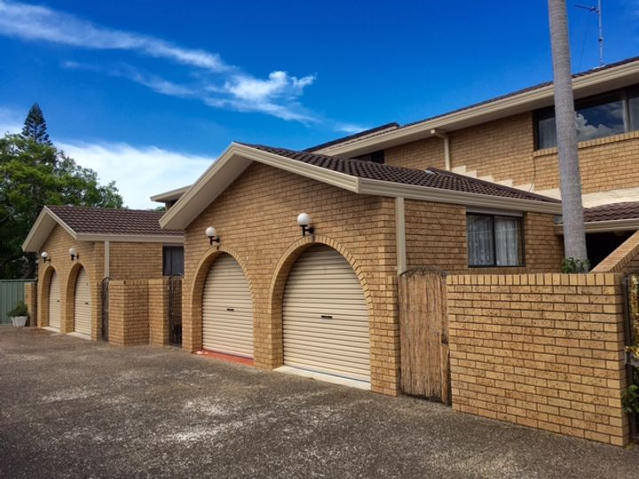 3/4 Angie Court, Mermaid Waters, QLD